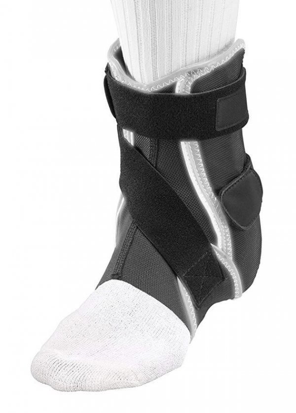 Mueller Sports Medicine HG80 Hard Shell Ankle Brace